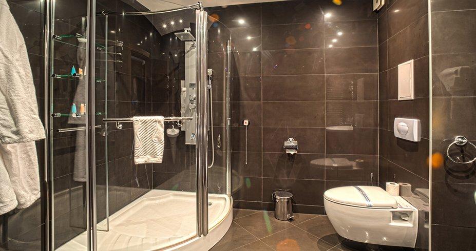 Grand Hotel Bansko bugarska skijanje zimovanje kupatilo