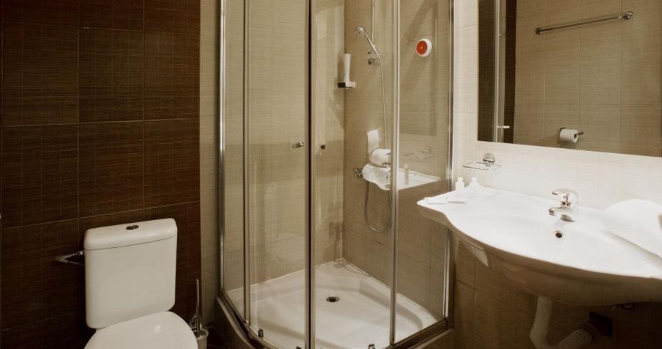Hotel Casa Karina bansko bugarska skijanje zima kupatilo