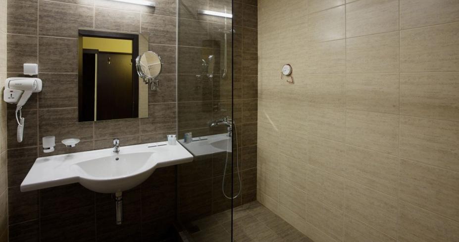 Hotel Casa Karina bansko bugarska skijanje zimovanje kupatilo