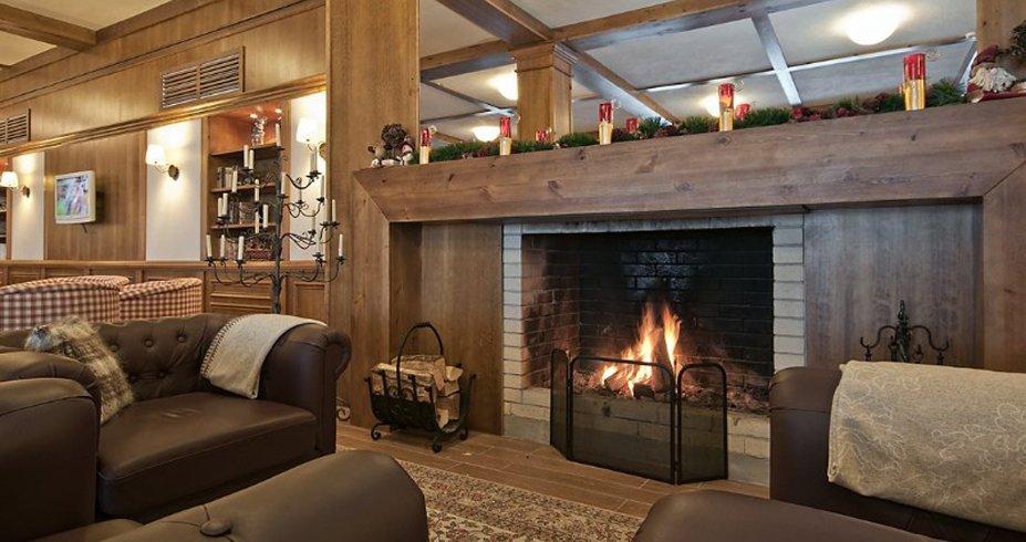 Hotel Green Life Ski Spa bugarska bansko kamin