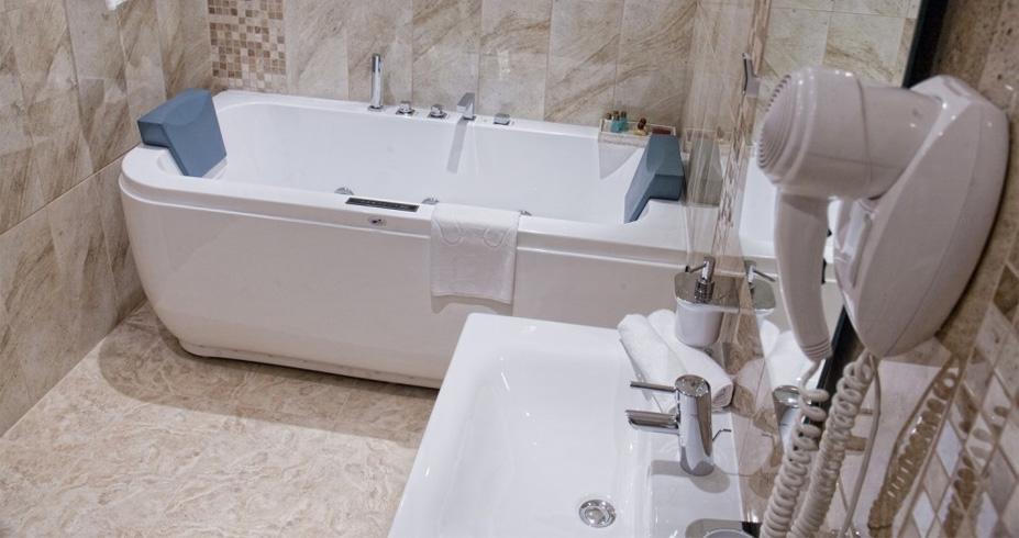 Hotel Regnum bansko bugarska skijanje zimovanje kupatilo