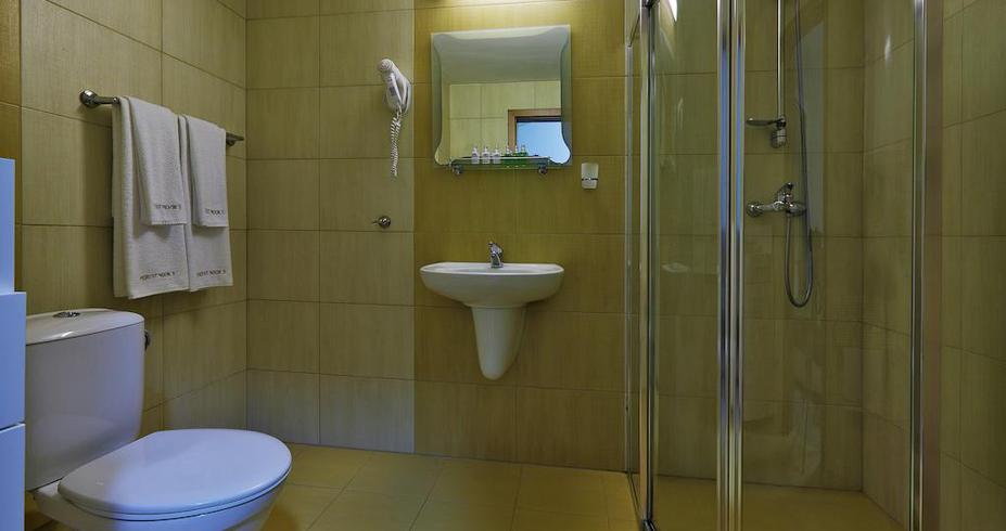 Apart Htl Forest Nook Pamporovo bugarska kupatilo 1
