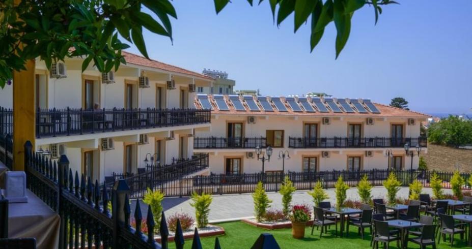 Riverside Garden Resort kirenija hotel