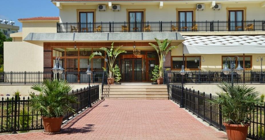 Riverside Garden Resort kirenija ulaz