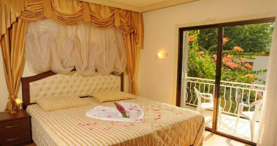 Riverside Garden Resort kirenija vila