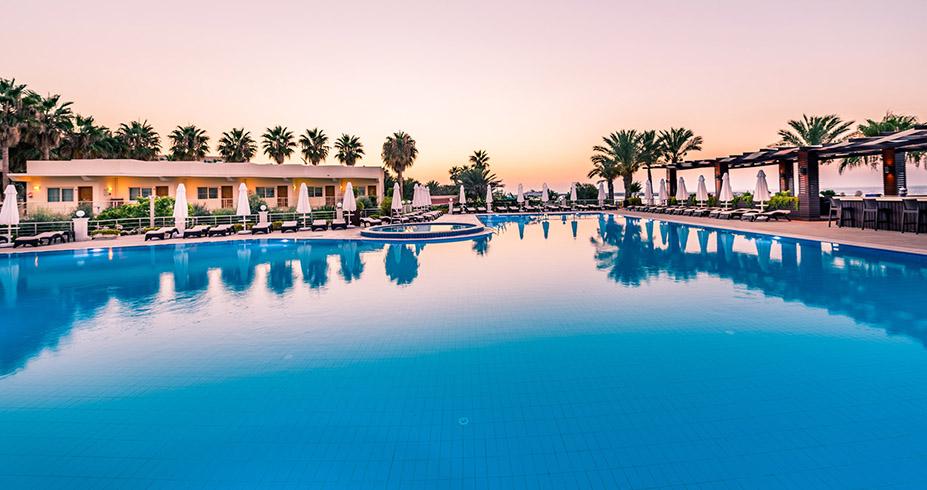 Vuni Palace Hotel Casino kipar bazen i lezaljke