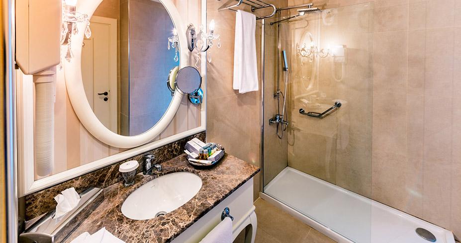 Vuni Palace Hotel Casino kipar kupatilo
