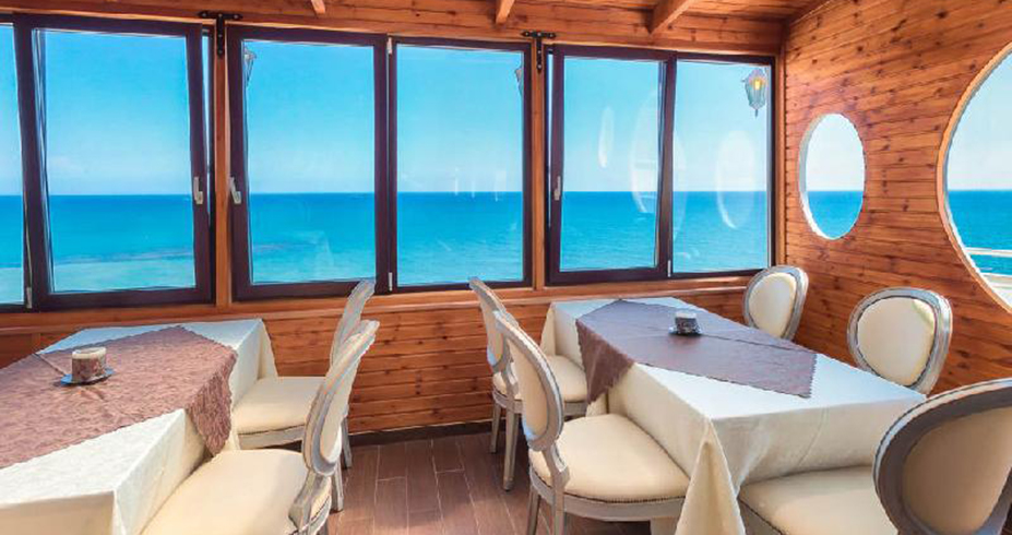 hotel flamingo beach kipar restoran