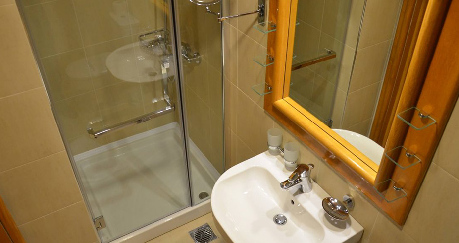Aparthotel Nebeske Stolice 2 kopaonik kupatilo