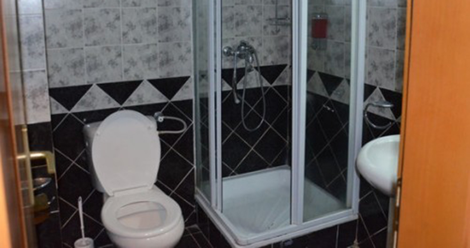 Konačište Vila Nikola Kopaonik kupatilo
