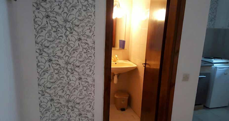 Vila Bobis Pefkohori halkidiki smestaj kupatilo