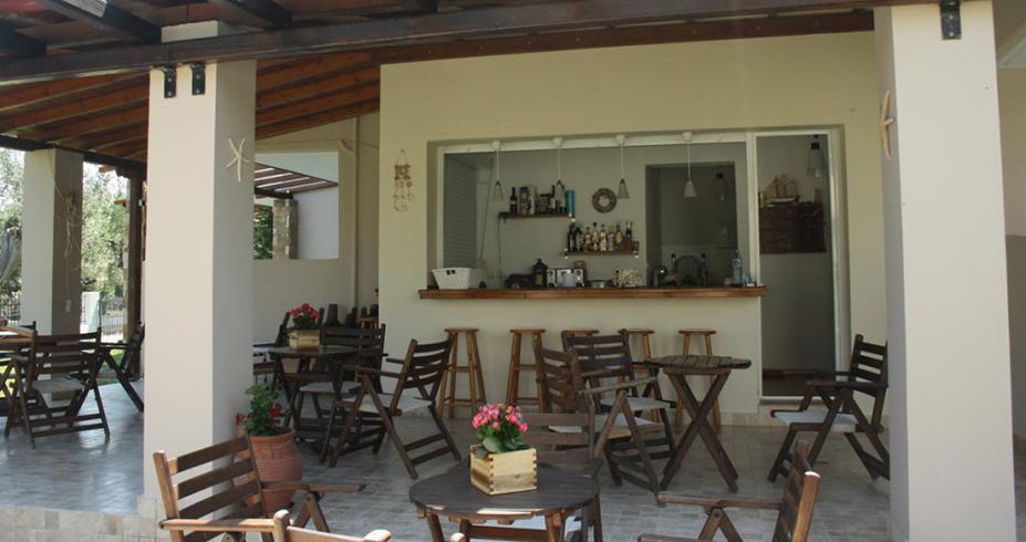 Vila Dionisos Resort Pefkohori bar