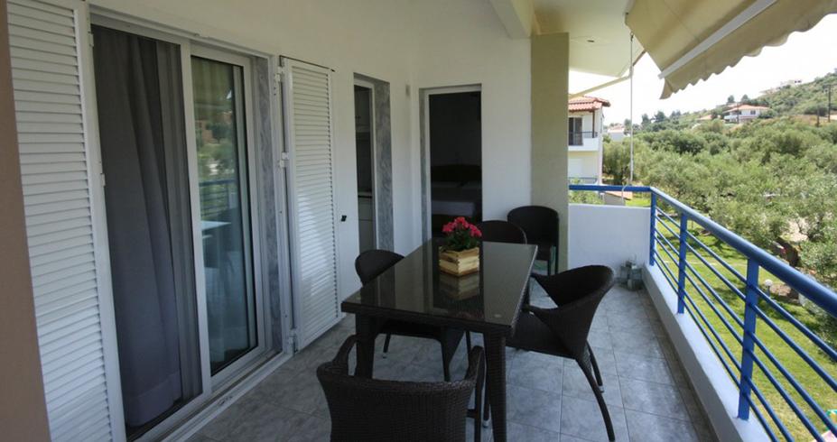 Vila Dionisos Resort Pefkohori grcka leto terasa