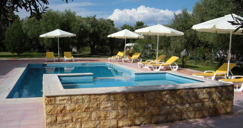 vila ilio pfkohori grcka letovanje bazen
