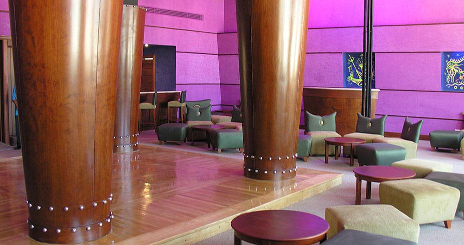 Royal Lagoons Aqua Park Spa Resort bar