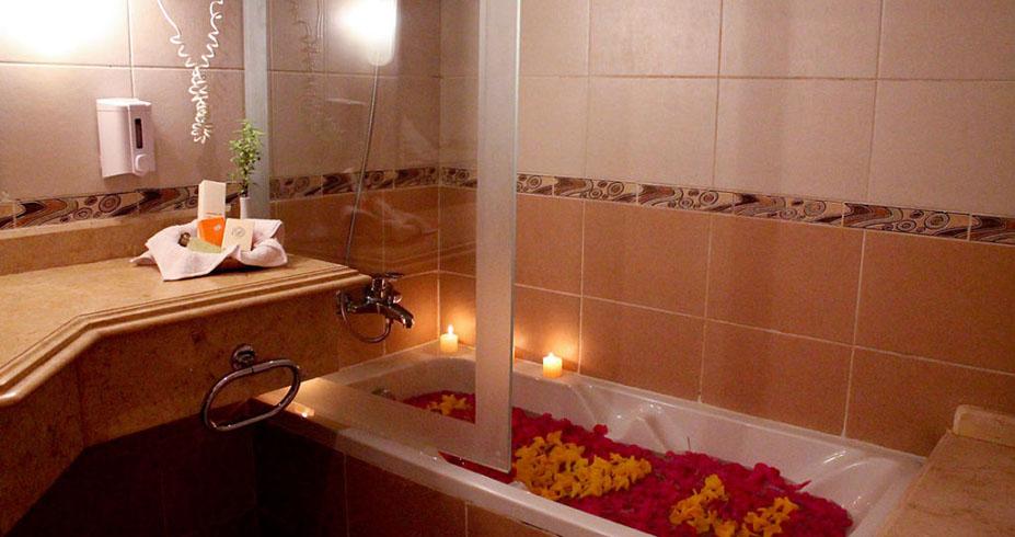 Royal Lagoons Aqua Park Spa Resort kupatilo