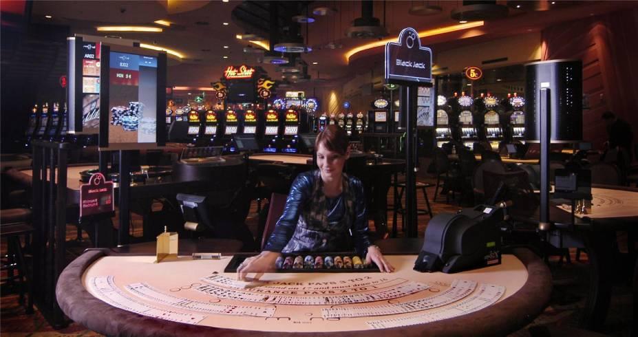 mond_casino_cabaret _slovenia_slovenija_maribor_pohorje_andrej_cvetnic_1